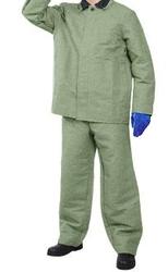 Продам брезентовый костюм огнеупорный (480, 550 плотн.)Недорого.